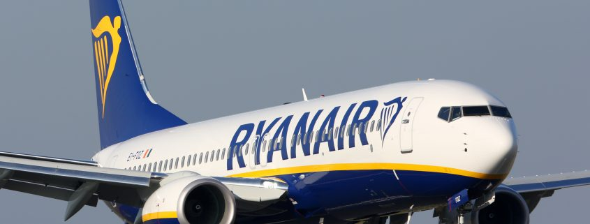 Ryanair 737-800 on approach