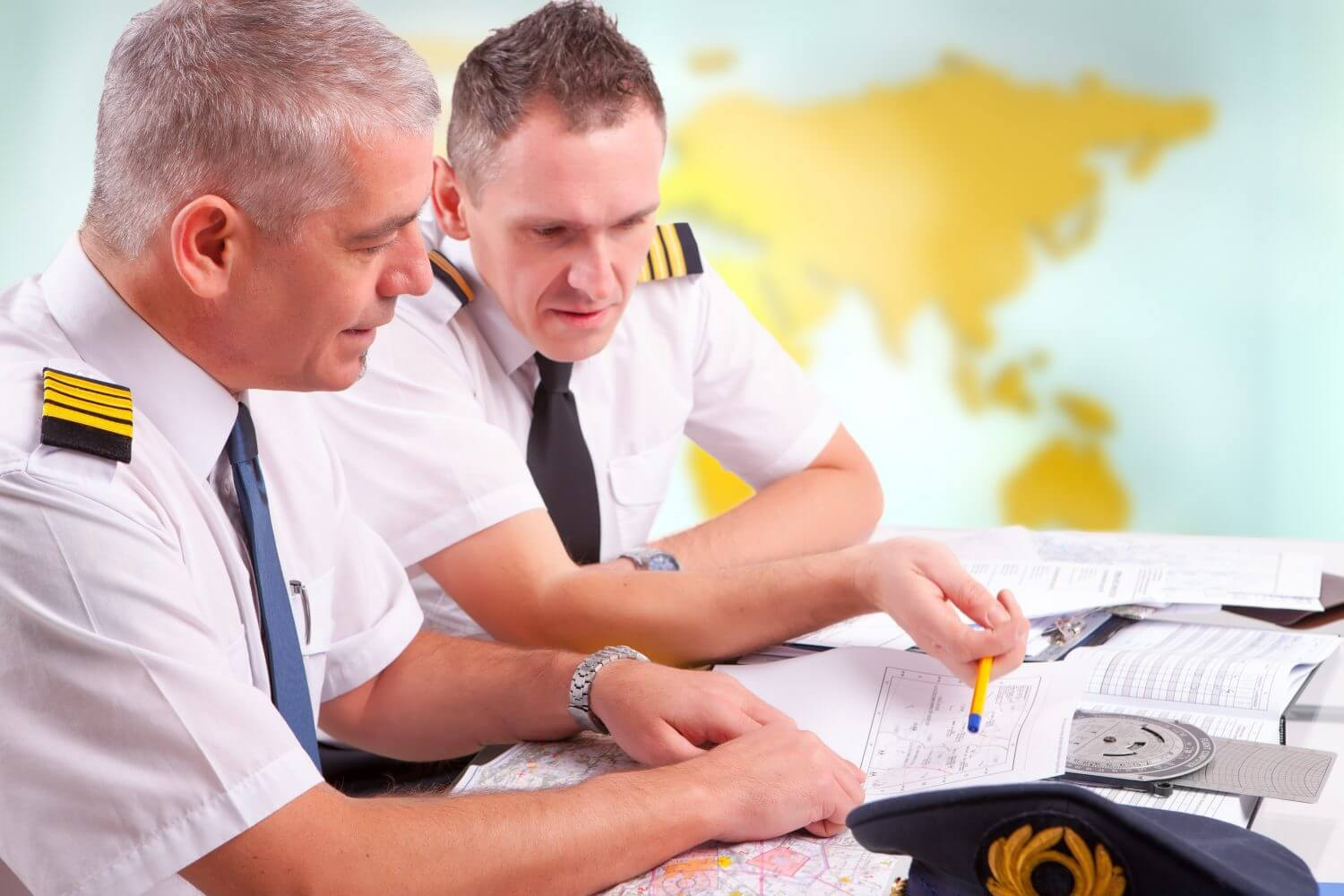 How to Become a Commercial Airline Pilot ...