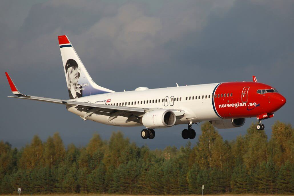 norwegian takes delivery of first two 737 max 8s