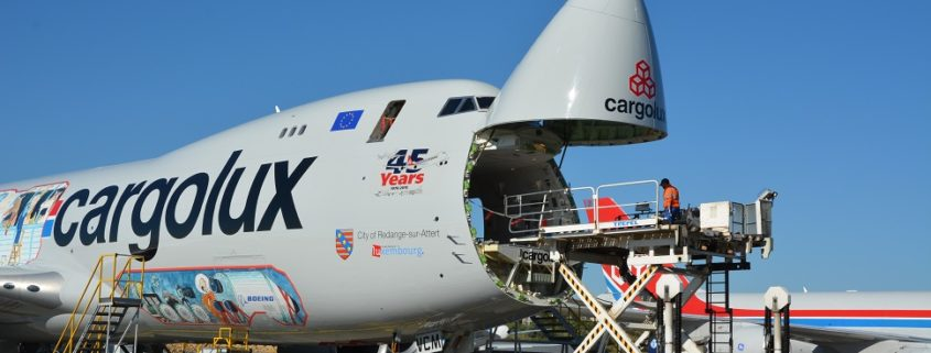 cargolux 747 being loaded