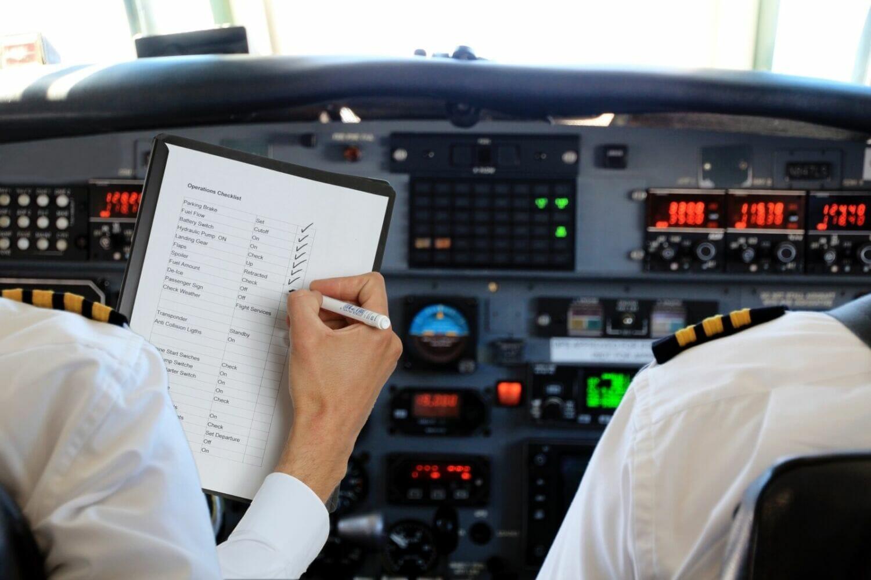 How are aircraft checklists used?   FlightDeckFriend com