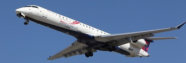 Armed officers remove pilot and cabin crew from flight at New York