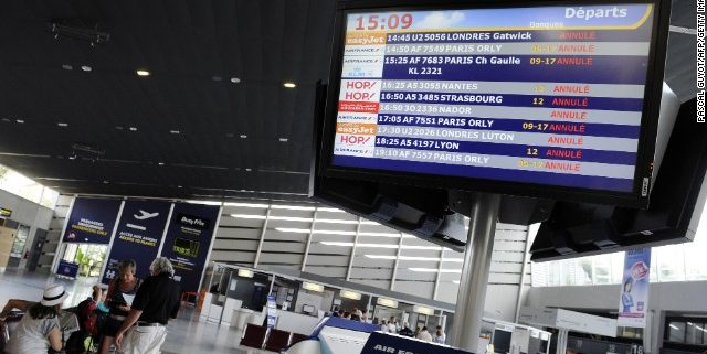 French strikes bring misery to 20,000 passengers