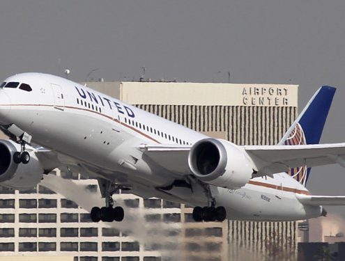 IT outage causes hundreds of US flights to be delayed