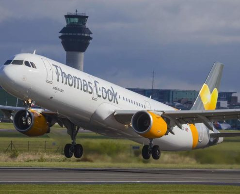 easyJet and Thomas Cook havebeen named the world's worst airlines in a controversial new 2019ranking.