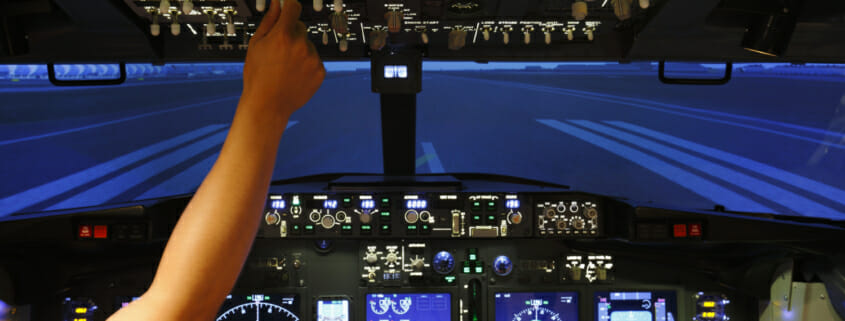 Flight simulator experience for those thinking of becoming a commercial airline pilot
